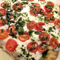 Margherita Naan Pizza