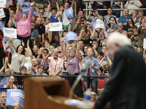 "Blindly Smearing ""Establishment"" Democrats Is Counterproductive"