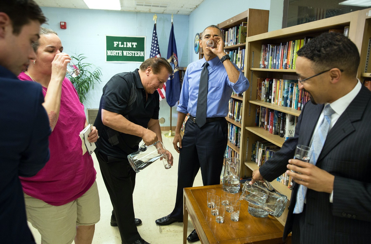 President Barack Obama sips filtered water from Flint following a roundtable on the Flint water crisis at Northwestern High School in Flint, Mich., May 4, 2016.in Flint, Mich., May 4, 2016. (Official White House Photo by Pete Souza)