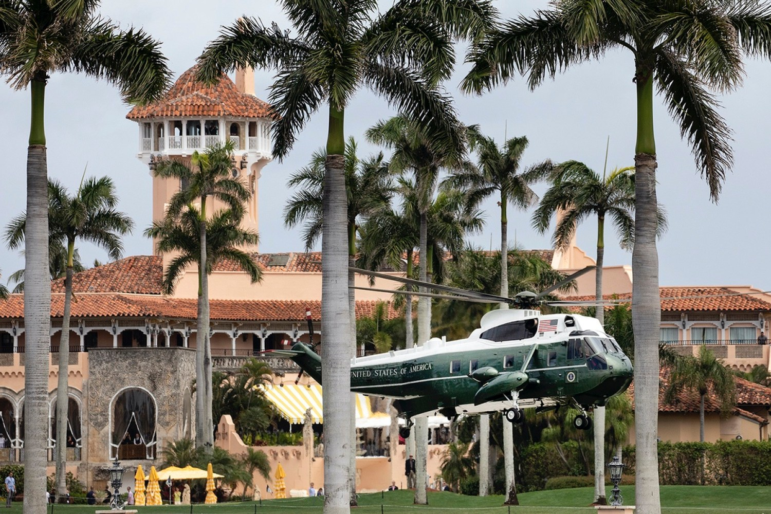 Marine One lifts-off after returning President Donald J. Trump to Mar-a-Lago Friday, March 29, 2019. (Official White House Photo by Joyce N. Boghosian)