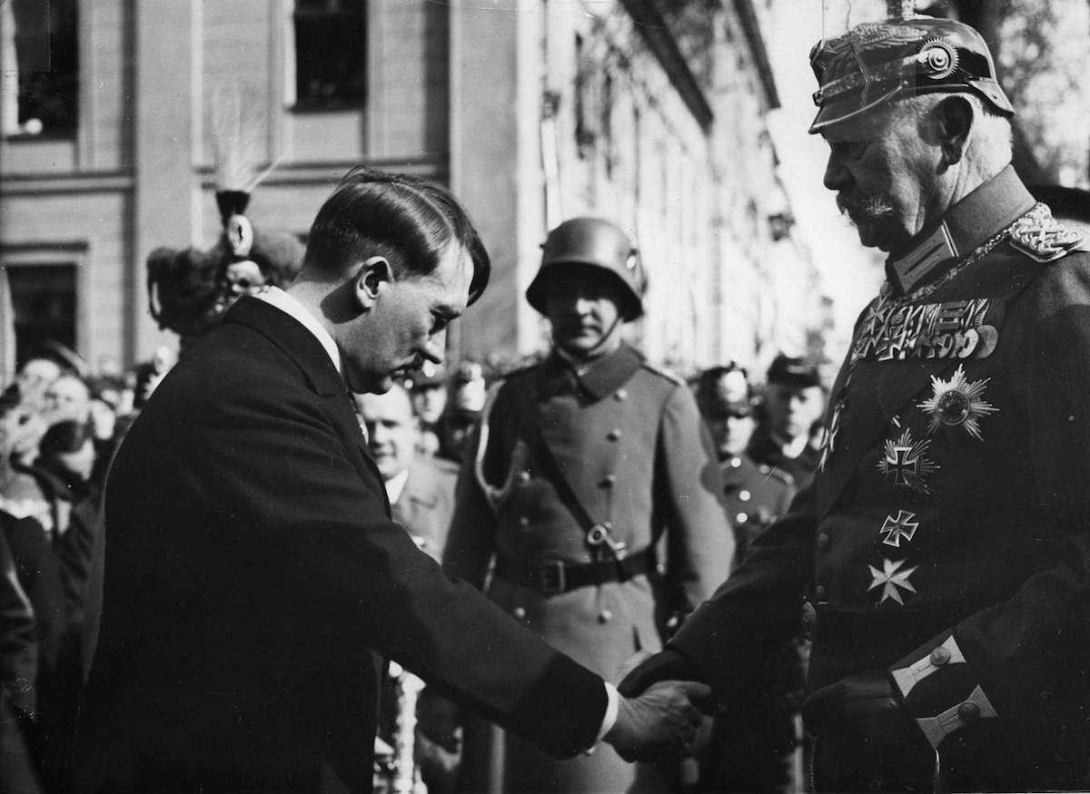 President von Hindenburg and Chancellor Adolf Hitler on the day of Potsdam – March 21, 1933 (Bundesarchiv, Bild 183-S38324/CC-BY-SA 3.0)