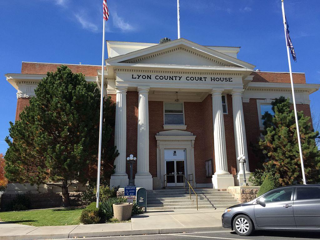 The Lyon County Court House on Main Street in Yerington, Nevada – October 2015. (Famartin, CC BY-SA 4.0 via Wikimedia Commons)