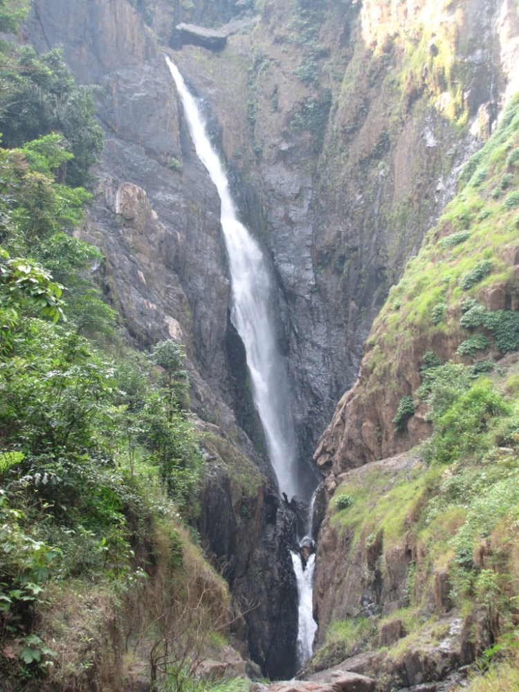More waterfalls around Sonda, Sirsi (1/6)