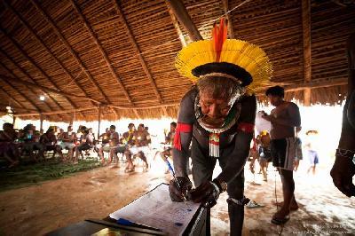 Do Xingú, da Amazônia, uma mensagem do povo Kayapó, ao governo brasileiro e os povos do mundo inteiro