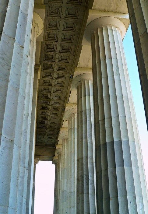 Columns, entrance to Lincoln Monument, downtown Washington, DC, USA.
