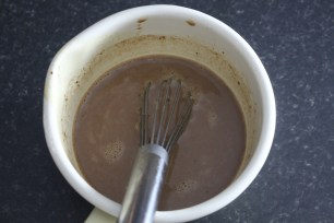 chocolate-quente-saudavel-com-curcuma-raparigamoderna-joanabbl3