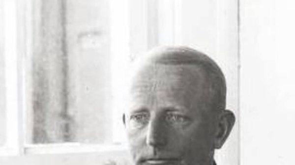 Le vice-amiral Józef Unrug, héros de la Marine polonaise, inhumé à Montrésor en 1973.  © Photo NR