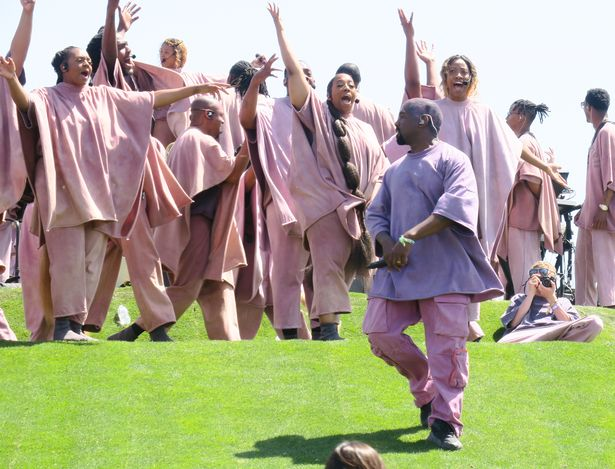1_Kanye-West-performs-at-Sunday-Service-at-the-Mountain-on-day-3-of-week-2-at-Coachella-Music-and-Ar