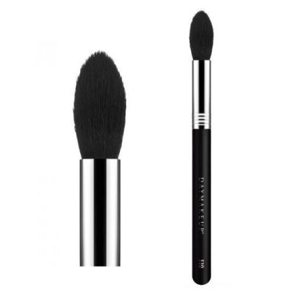 Soft brush with natural bristles for illuminator application.