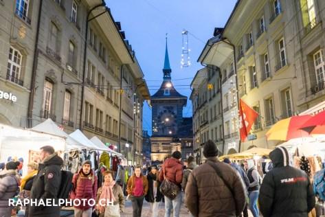 Zytglogge in der Altstadt Bern beim Zibelemärit