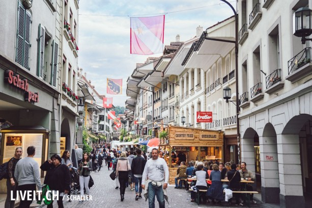 Stimmung in der Stadt am Thunfest 2017-3