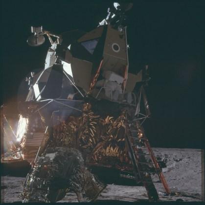 Project Apollo Archive 11