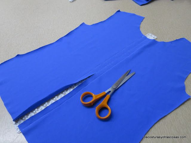 μεταποιηση μπλουζας με δαντελα 2, ραβουμε δαντελα σε μπλουζα