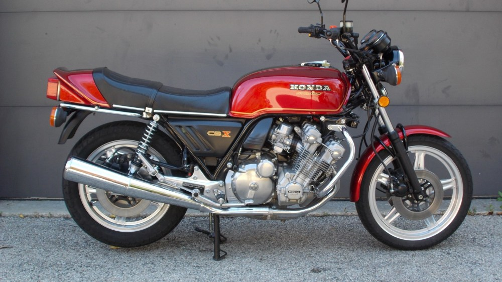 medium resolution of in 1978 honda stunned the motorcycling world with a technological tour de force the six cylinder 24 valve cbx was the most ambitious and the most