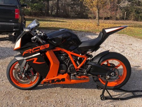small resolution of for a too brief period of time ktm offered a raucous 1195cc 75 degree v twin encased in a stout trellis frame and enveloped in bodywork that could only be