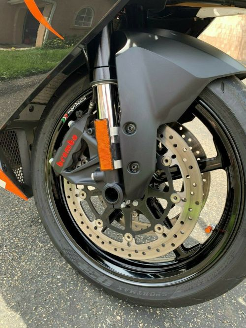 small resolution of i am the original owner of this 2014 ktm rc8r 1190 i purchased the bike in march of 2014 from thousand oaks the bike runs perfect and looks beautiful