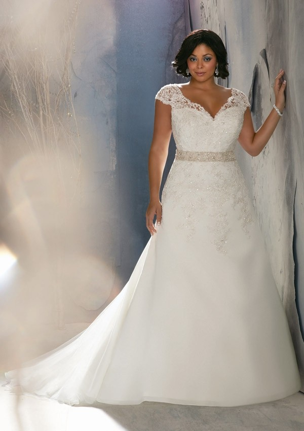 v-neck-chapel-train-satin-a-line-plus-size-wedding-dress-wmr0097-a