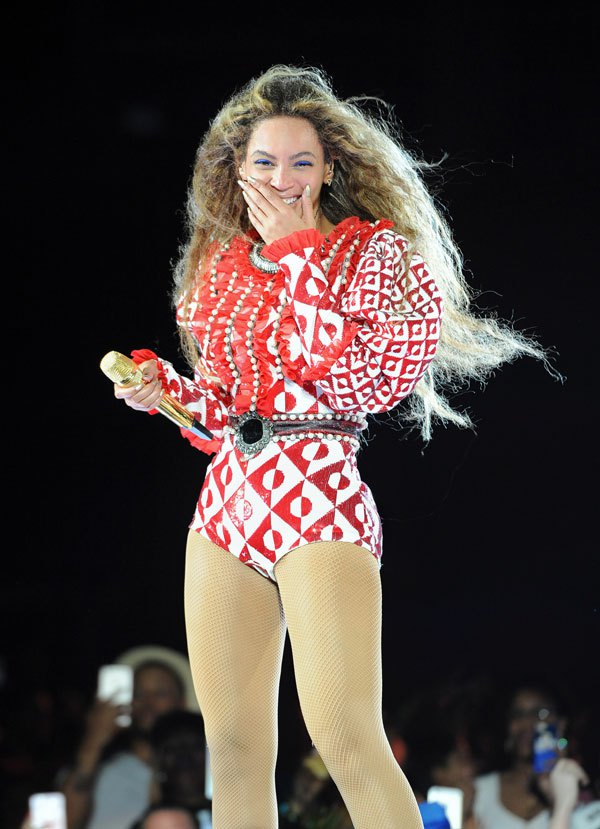 @Beyonce And Jay Z Take Off Their Wedding Rings U2013 Speculation Of Marital  Problems Increase