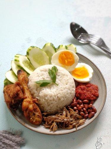 nasi lemak lengkap praktis