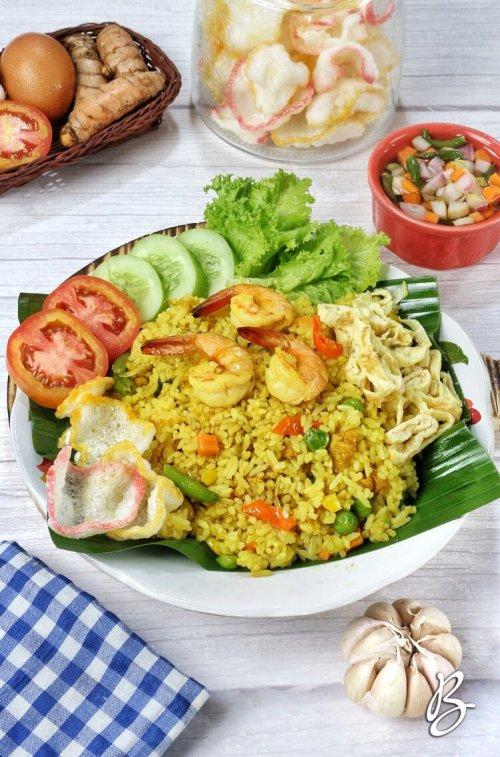 nasi goreng kuning istimewa