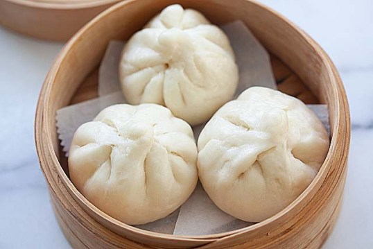 Steamed Chicken Buns (鸡仔包) - Rasa Malaysia