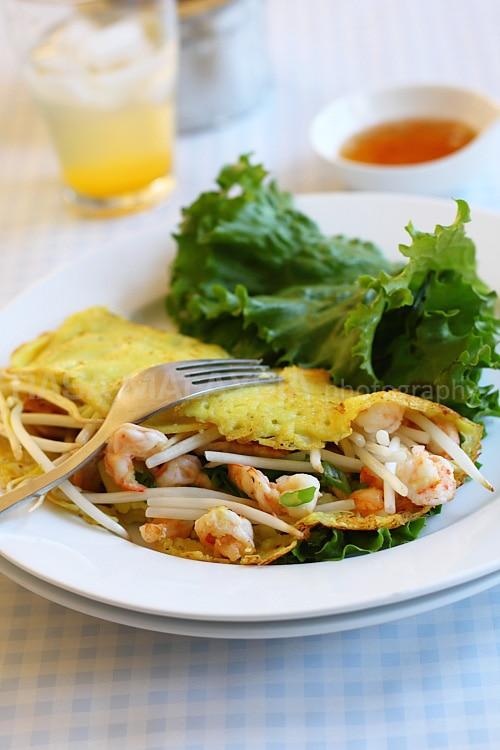 Banh Xeo (Sizzling Saigon Crepes) | Easy Delicious Recipes