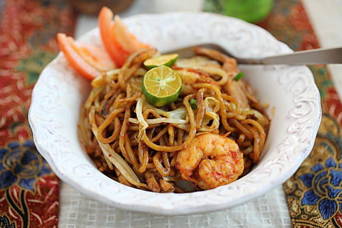 Indonesian Fried Noodles (mie Goreng)  Easy Delicious Recipes