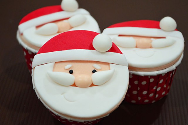 Quick and easy step-by-step recipe for cute Santa Claus cupcakes.
