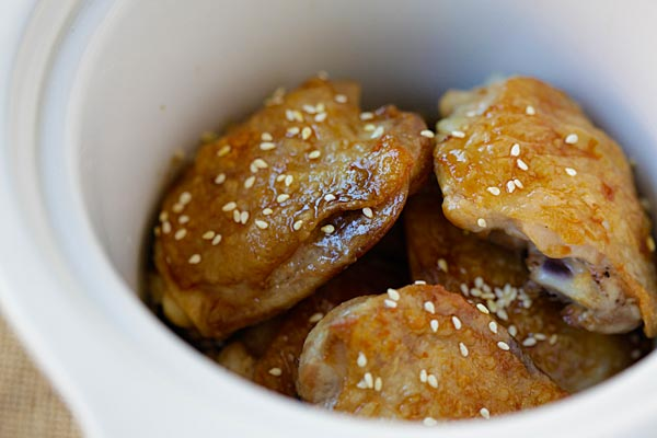 Slow Cooker Asian Sesame Chicken - easy and delicious chicken made with San-J Tamari and sesame sauce. Gluten-free and hearty meal for the family | rasamalaysia.com