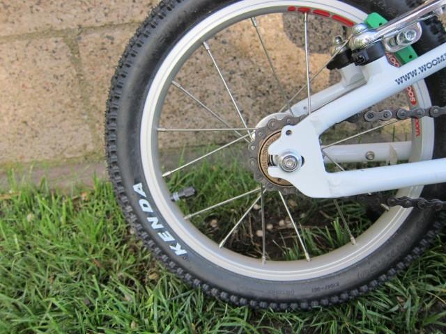 Woom 2 Kenda Tires