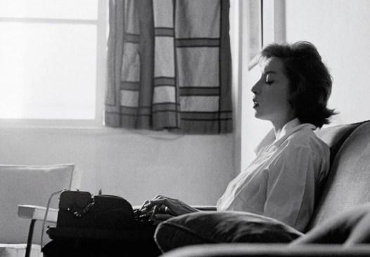 """Paris Review"""" destaca ensaio sobre Clarice Lispector – Rascunho"""