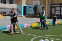 أنشطة رياضية بين الآباء والأبناء بفرع معين إنجليزي (2)
