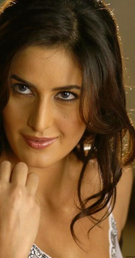 Katrina Kaif attractive-1