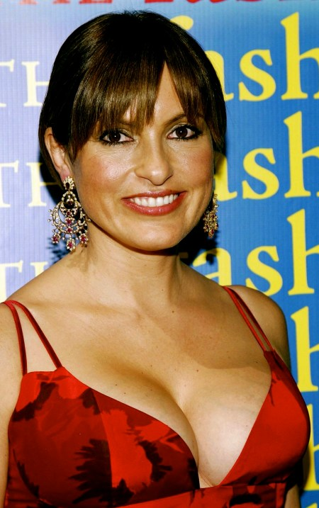 Mariska Hargitay @ The Fashion Group's 23rd Annual Night Of Stars 11