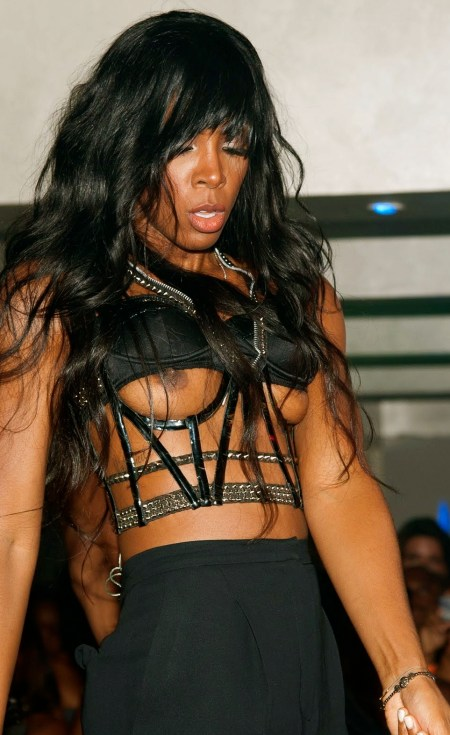 Kelly Rowland On Stage Double Nipple Slip www.GutterUncensored.com 003