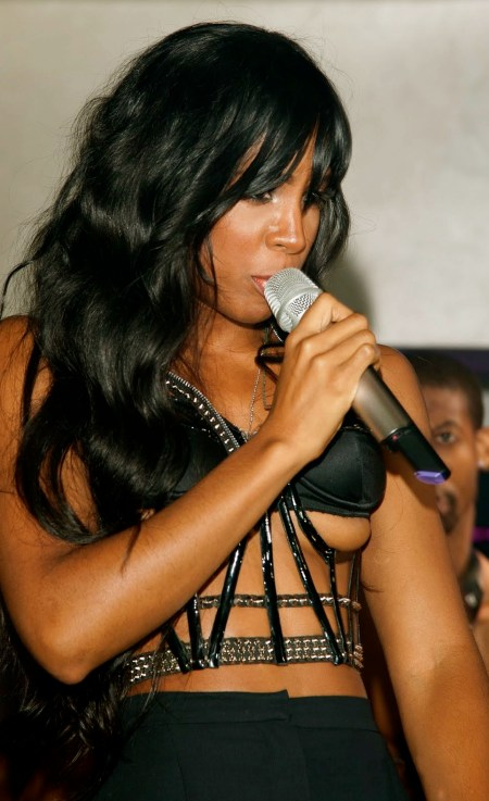Kelly Rowland On Stage Double Nipple Slip www.GutterUncensored.com 005