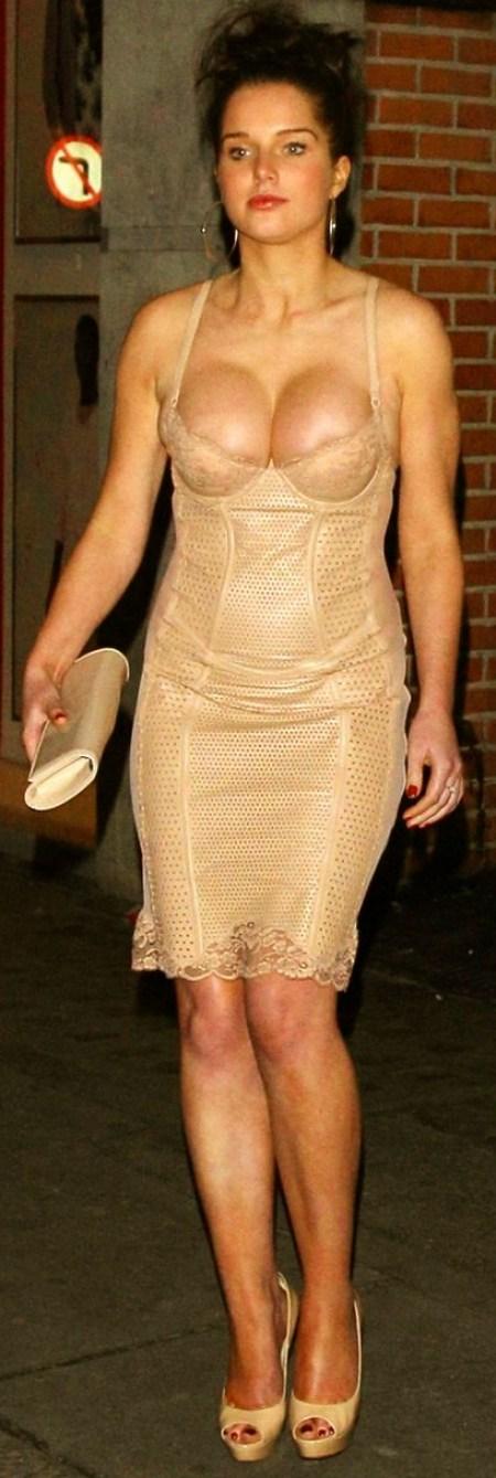 £££ RE USAGE FEE APPLIES Helen Flanagan leaves Chinawhite nightclub in London with her boyfriend Scott Sinclair