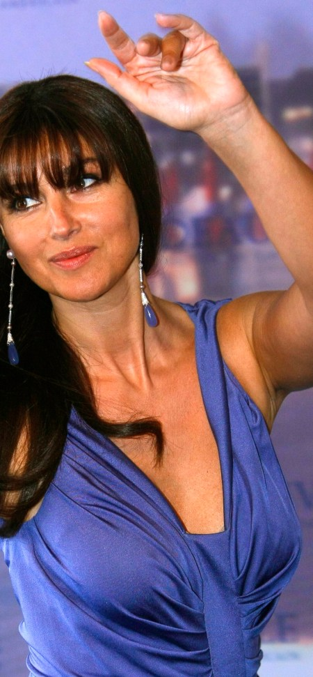monica_bellucci_shootemup_05_20080718_18