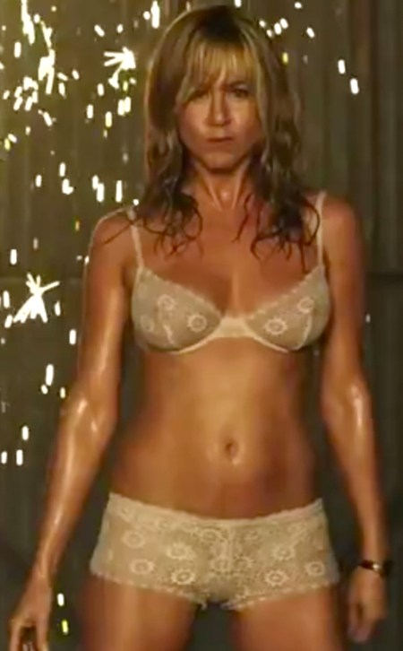 Jennifer-Aniston-Shirtless-Scene-MTV-Movie-Awards