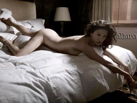 Catherine Zeta Jones erotic nude photo shoot at 40  22MOONCOM