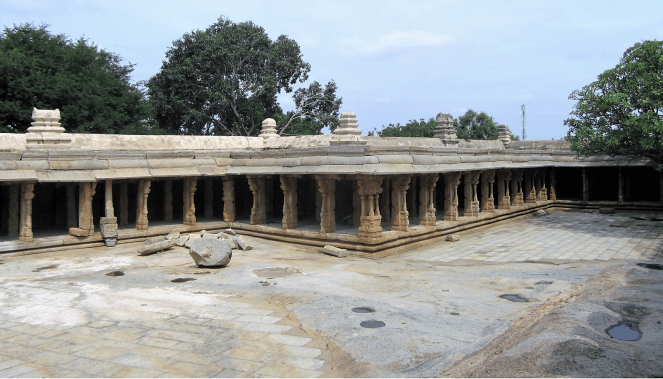 Exteriors of the Veerabhadra temple in Lepakshi