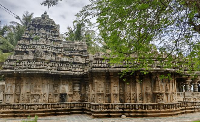 Brahmeshvara temple in Kikkeri