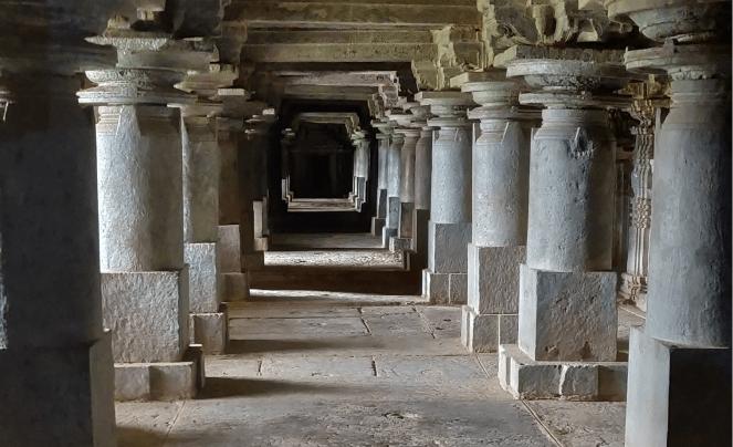 nside Panchalingeshwara temple, Govindanahalli