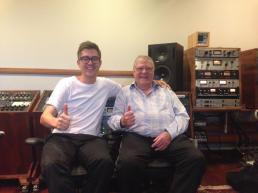 Så ud i Moremax Studio og mixe sammen med den meget dygtige 2000F. Ole Erling kom også forbi. Stort!