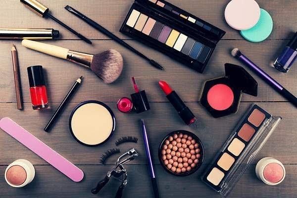 Celebra el Día de la Belleza conociendo más allá del maquillaje
