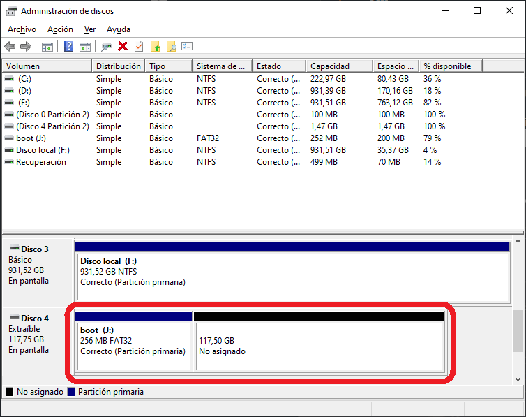 Windows 10 disk manager with leftover microSD card partitions removed