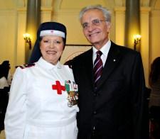 Sorella Peretti con magistrato