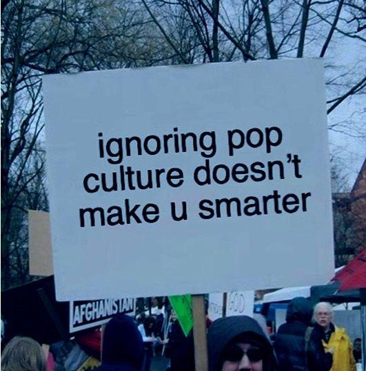 arte en la musica comercial photo protest