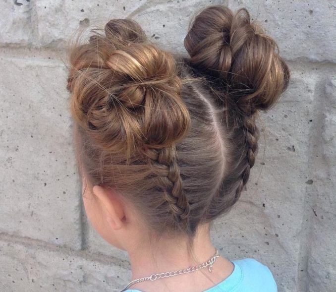 Simple and trendy hairstyles to school 33