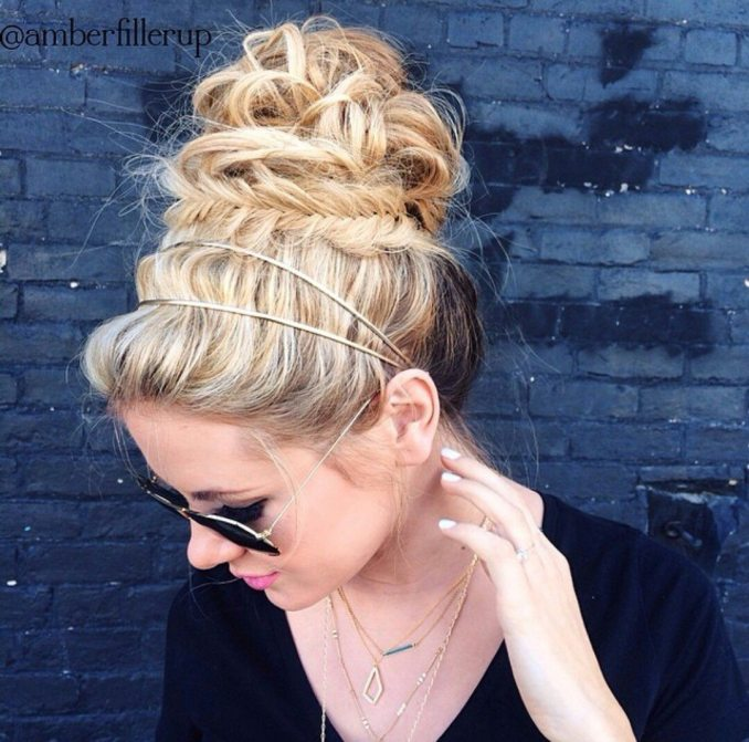 Simple and trendy hairstyles to school 25